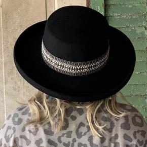 Black Gambler Hat
