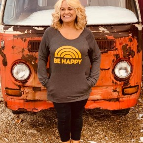 Be Happy Graphic Top Curvy
