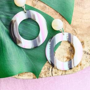 'Oh Shell Yea' Earrings
