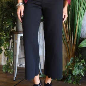 Black Scalloped Hem Capri Pants