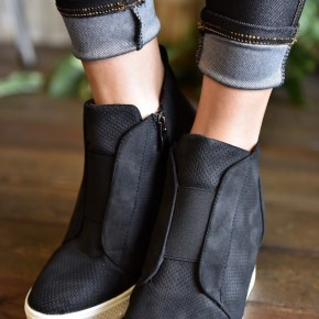 Black Zoey Sneakers