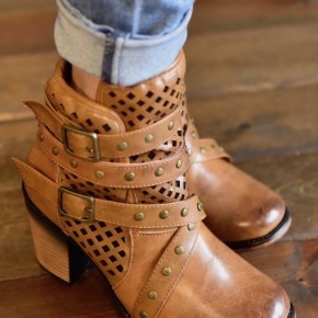 Tan Rave Boots