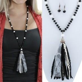 Plaid Tassel Necklace