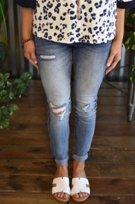 Kan Can Light Blue Distressed Jeans