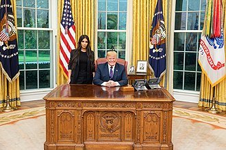 330px-Donald_Trump_and_Kim_Kardashian.jpg