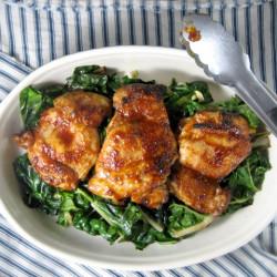 Sauteed चार्ड साथ भुना हुआ चिकन
