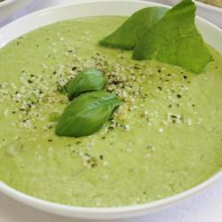 Asbaragws cawl gyda zucchini (hawdd)