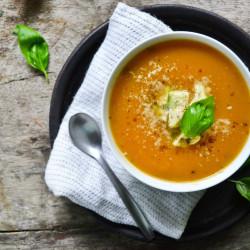 Pumpkin soep met wortel en gember (maklik)