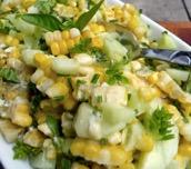 Corn a chiwcymbr salad