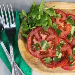 Tomate con cilantro
