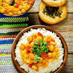 Curry de vegetales con arroz