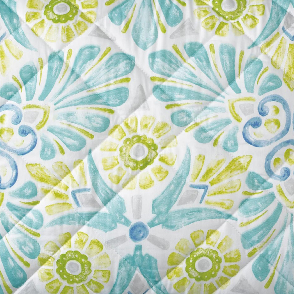 Painted Medallions Quilt & Shams image 3
