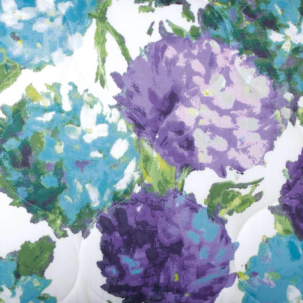 Hydrangea Quilt & Shams image 3