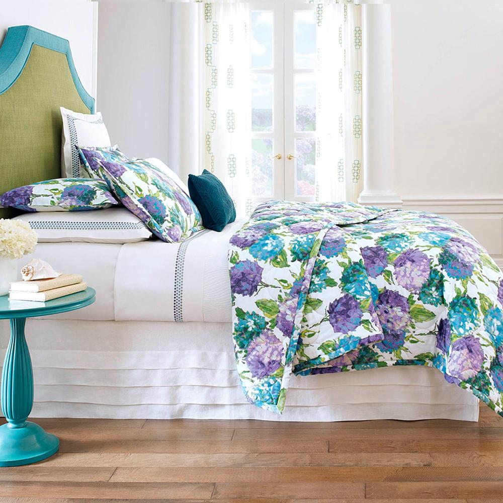Hydrangea Quilt & Shams image 4