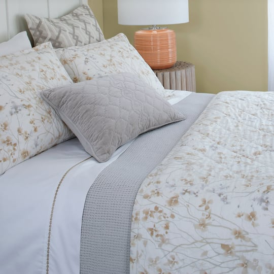 Almond Blossom Quilt & Shams