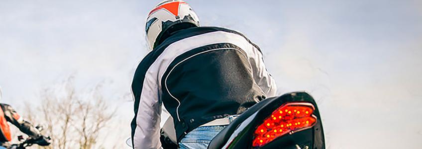 ¿Qué incluye el seguro todo riesgo para motos?
