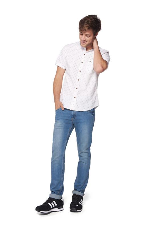 18298aa8229b7 Jeans y Zapatillas