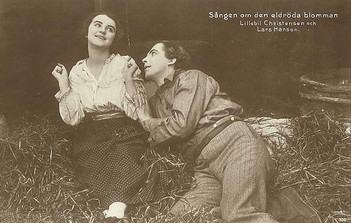 Lars Hanson in Sängen om den eldröda blomman (1919)