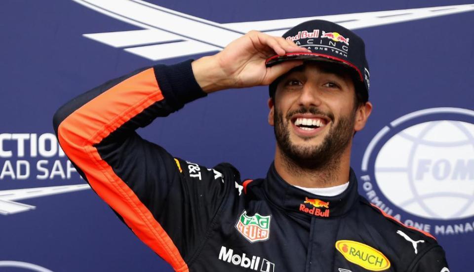 Vettel garante pole em Cingapura