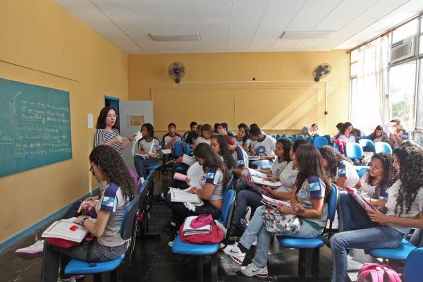 Colégio estadual no Rio de Janeiro oferece aulas de italiano
