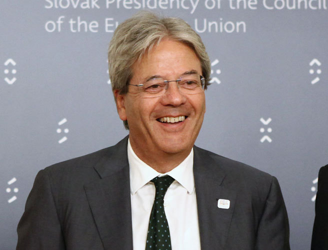 Gentiloni rebate as críticas da UE