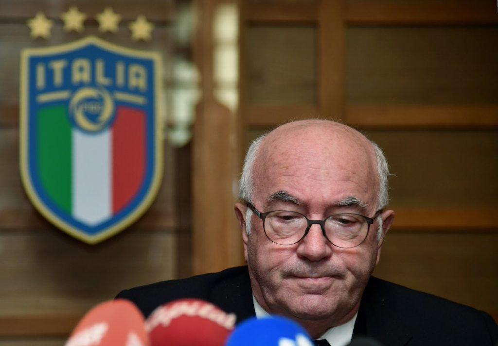 Tavecchio confirma demissão