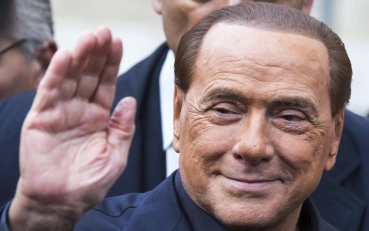 Berlusconi, ex-dono do Milan, fecha compra do Monza