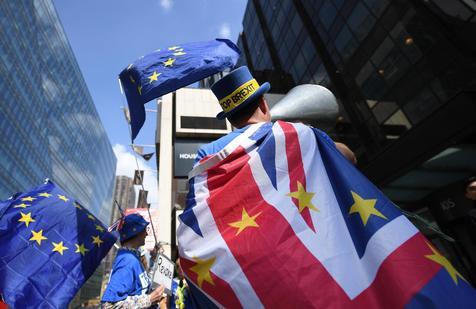 Itália aprova lei para se proteger de Brexit