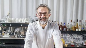 Chef italiano Massimo Bottura ensina receitas através do instagram durante quarentena