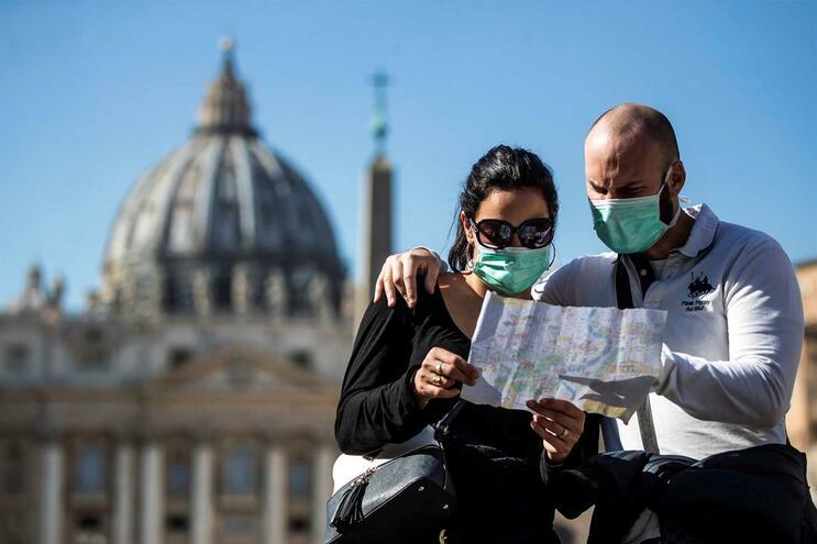 Coronavírus: 'Passaporte sanitário' vira alvo de polêmica na Itália