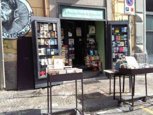 Editora italiana ganha fama após Louise Glück vencer Nobel de Literatura