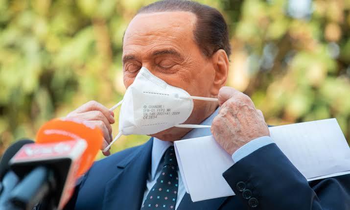 Tribunal adia pela quarta vez processo contra Berlusconi