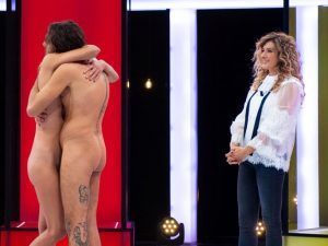 Arriva in Italia «Naked Attraction»: in onda nudi per cercare un partner