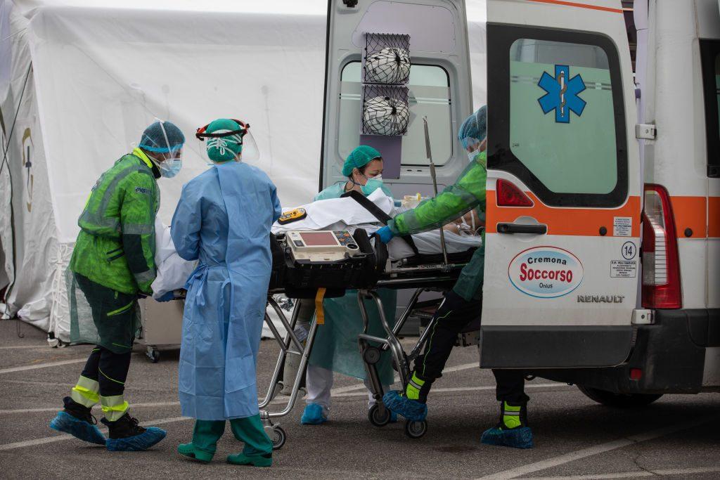 Covid-19: número de mortes volta a subir na Itália