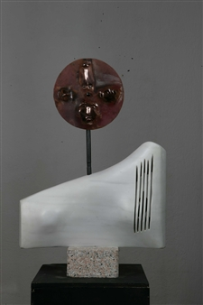 Venceslao Mascia - Dea Madre (Moderna) Carrara Marble, Obsidian and Copper, Sculpture