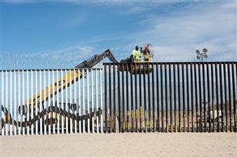 Ada Luisa Trillo - The Migrant Caravan - The Wall Tijuana_2018 Archival Pigment Print, Photography