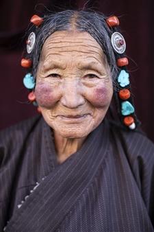 Safaa Kagan - Tibet Woman Portrait Archival Pigment Print, Photography