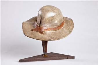 Anita Birkenfeld - Hat Bronze, Sculpture