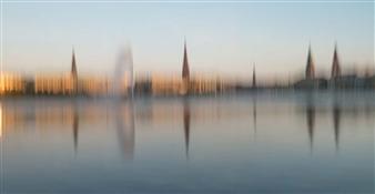 Gottfried Roemer - Hamburg Alstergold Photograph on Aluminum, Photography