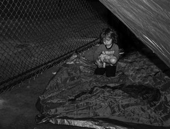 Ada Luisa Trillo - The Migrant Caravan - La Ninia y Su Munieca Photograph on Fine Art Paper, Photography