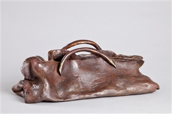 Anita Birkenfeld - Pique Bag Bronze, Sculpture