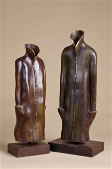 Anita Birkenfeld - Robes (couple) Bronze, Sculpture