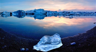 Alexander Toto - Glacier Lagoon Iceland 64.0413 N 16.1242W Photograph on Hahnemühle Paper, Photography