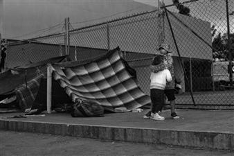 Ada Luisa Trillo - The Migrant Caravan - Amor (Love) Photograph on Fine Art Paper, Photography