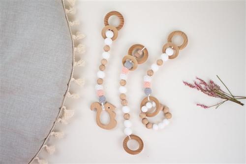 set de 3 colgantes rosa crochet