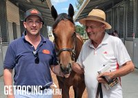 Adam Watt & Gerry Harvey with our PIERRO x CONFER Colt at the Yearling Sale
