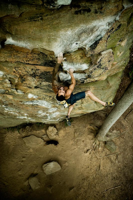 Chris Sierzant Soloing 'Fuzzy Undercling' 5.11b