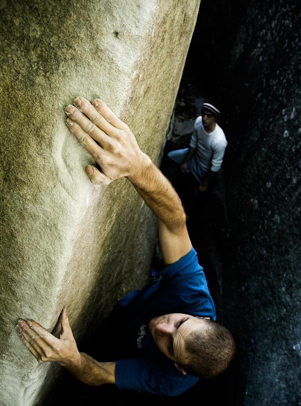 Mark Osbourne climbs 'Man with the slow hand' V4