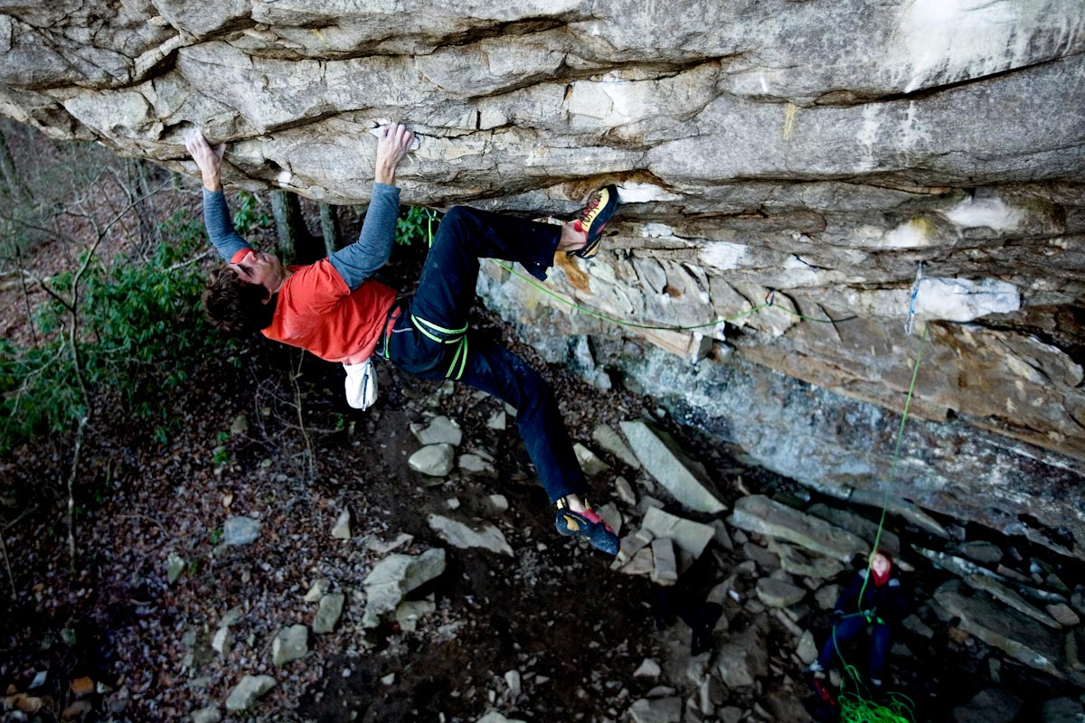 Joey Kinder making the FA of 'Southern Comfort Right' 5.14b