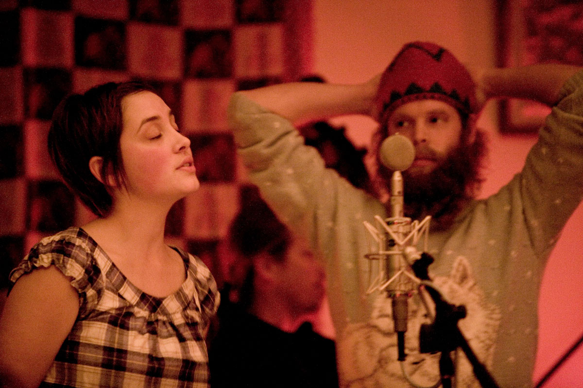 Cheyennne Mize and Bonnie Price Billy (Will Oldham) singing in the studio.